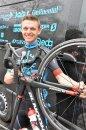 Wie alljährlich wurde jetzt die Rad-Amateurmannschaft P&S Team Thüringen in Erfurt vorgestellt. Unter den zehn Rennern die von Lars Wackernagel in dieser Saison für 32 Eintages- und Etappenrennen trainiert und und bei Rennen betreut werden ist Robert Jägeler vom RV Elxleben einer der Erfahrensten. Unsere Zeitung sprach mit dem 21-Jährigen(er wird am 18.4.- 22 Jahre alt).